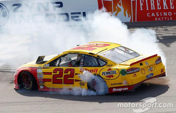 2016 Joey Logano 22 Shell Michigan Win Raced Diecast